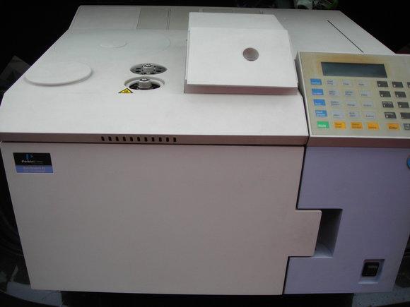 Perkin Elmer Gaschromatograph Autosystem XL mit FID gebraucht
