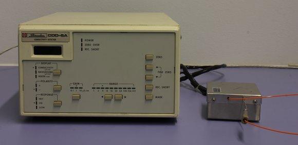 Shimadzu Conductivity detector CDD-6a