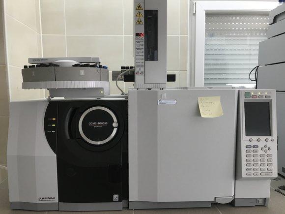 Shimadzu GCMS-TQ8030 – Gas Chromatograph Mass Spectrometer